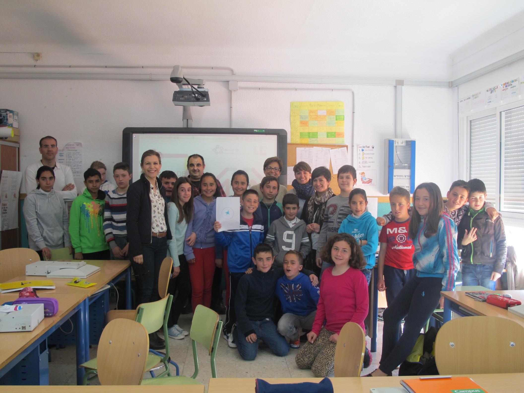 Veinticuatro alumnos de 5� de Primaria de Adra aprenden a ser emprendedores a trav�s de un programa de la Junta